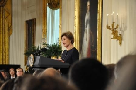 : Laura Bush introducing the Honorees